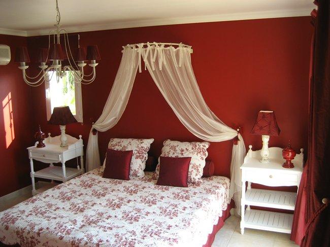 Rode Vloerbedekking Slaapkamer ~ Beste Ideen Over Huis en Interieur